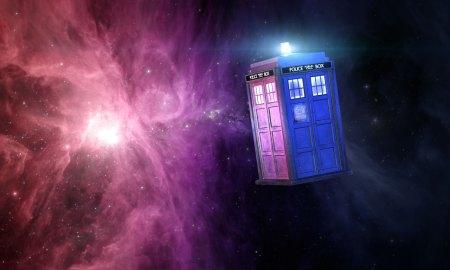 Le célébrissime vaisseau spatial du Docteur, le T.A.R.D.I.S, vue de l'extérieur (l'intérieur est infiniment plus grand, merci la technologie des Seigneurs du Temps !).