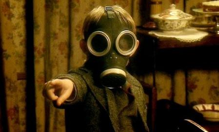 Le terrifiant gamin du double épisode The Empty Child/The Doctor Dances, épisodes 9 et 10 de la saison 1. Première incursion dans la série de Steven Moffat pour un résultat mémorable.