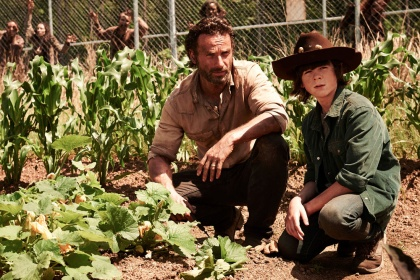 the-walking-dead-season-4-trailer-rick-goes-digging-for-a-gun